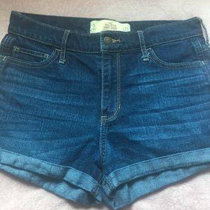 Hollister short-short dark wash denim Size:5  W:27